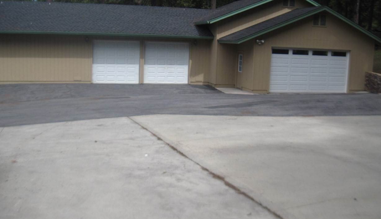 2. Single Family Homes for Active at 5810 Highway 147 Lake Almanor, California 96137 United States