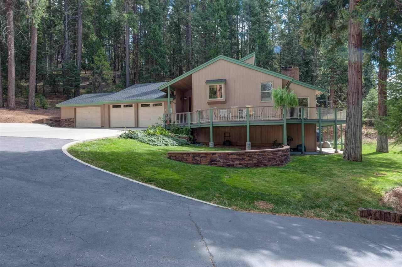 3. Single Family Homes for Active at 5810 Highway 147 Lake Almanor, California 96137 United States