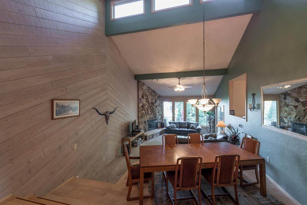 5. Single Family Homes for Active at 5810 Highway 147 Lake Almanor, California 96137 United States