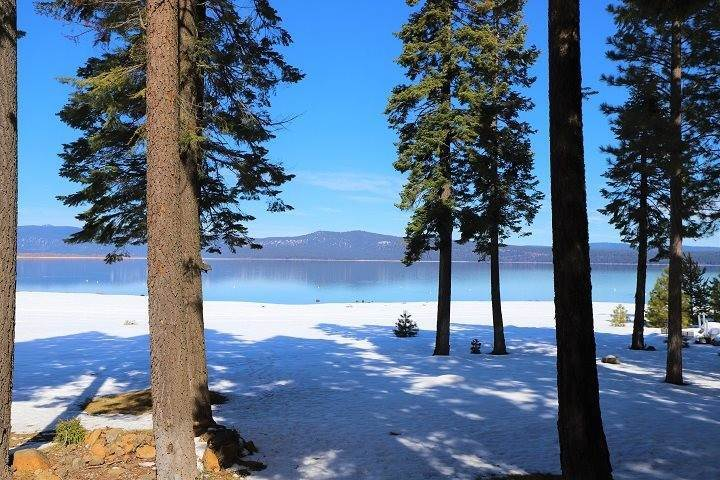 4. Single Family Homes for Active at 173 Lake Almanor West Drive Chester, California 96020 United States