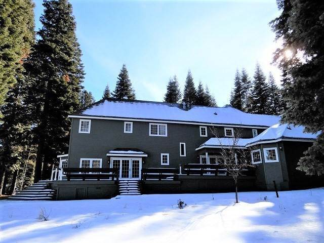 7. Single Family Homes for Active at 173 Lake Almanor West Drive Chester, California 96020 United States