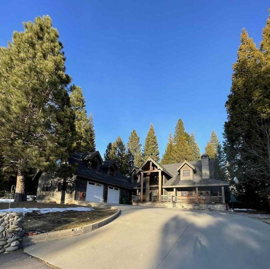 Single Family Homes for Active at 171 Manor Drive Lake Almanor, California 96137 United States