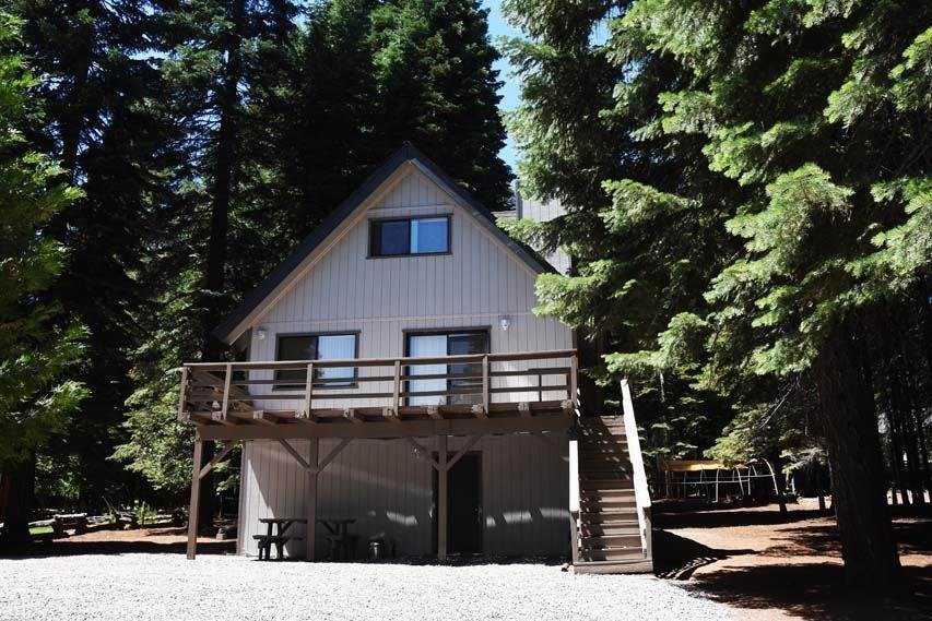 Single Family Homes for Active at 1159 Lake Ridge Road Lake Almanor, California 96137 United States
