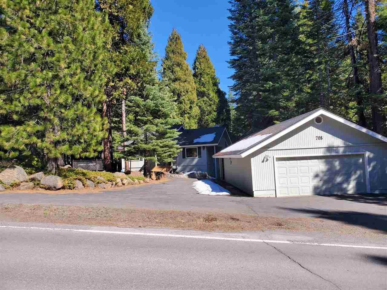 Single Family Homes for Active at 708 Clifford Drive Lake Almanor, California 96137 United States