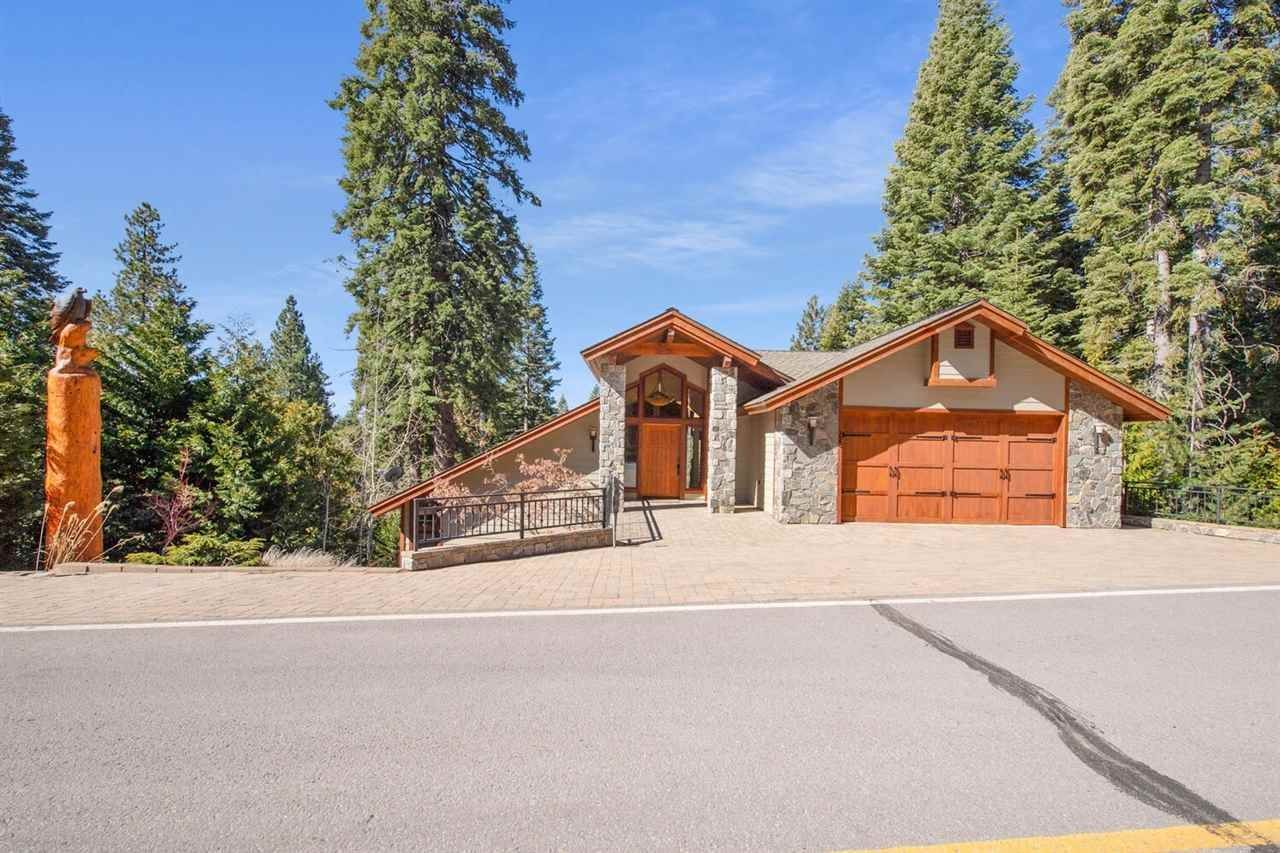 Single Family Homes 为 销售 在 723 W Mountain Ridge Road Lake Almanor, 加利福尼亚州 96137 美国