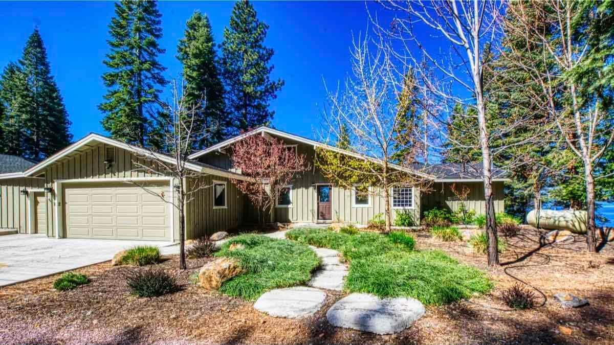 Single Family Homes for Active at 1415 Lassen View Drive Lake Almanor, California 96137 United States