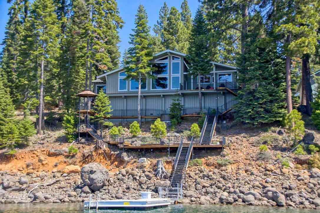 2. Single Family Homes for Active at 1415 Lassen View Drive Lake Almanor, California 96137 United States