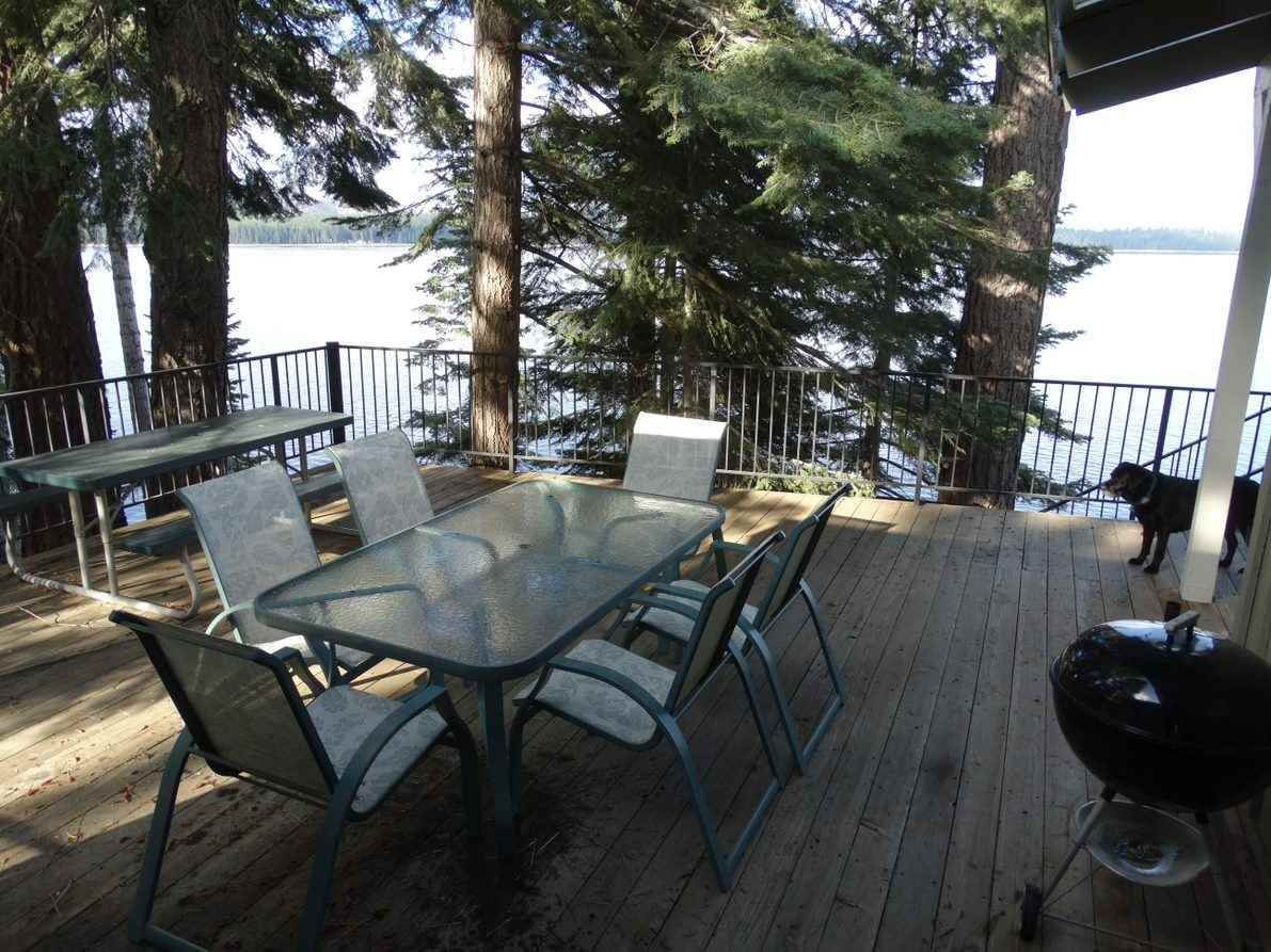 17. Single Family Homes for Active at 1415 Lassen View Drive Lake Almanor, California 96137 United States