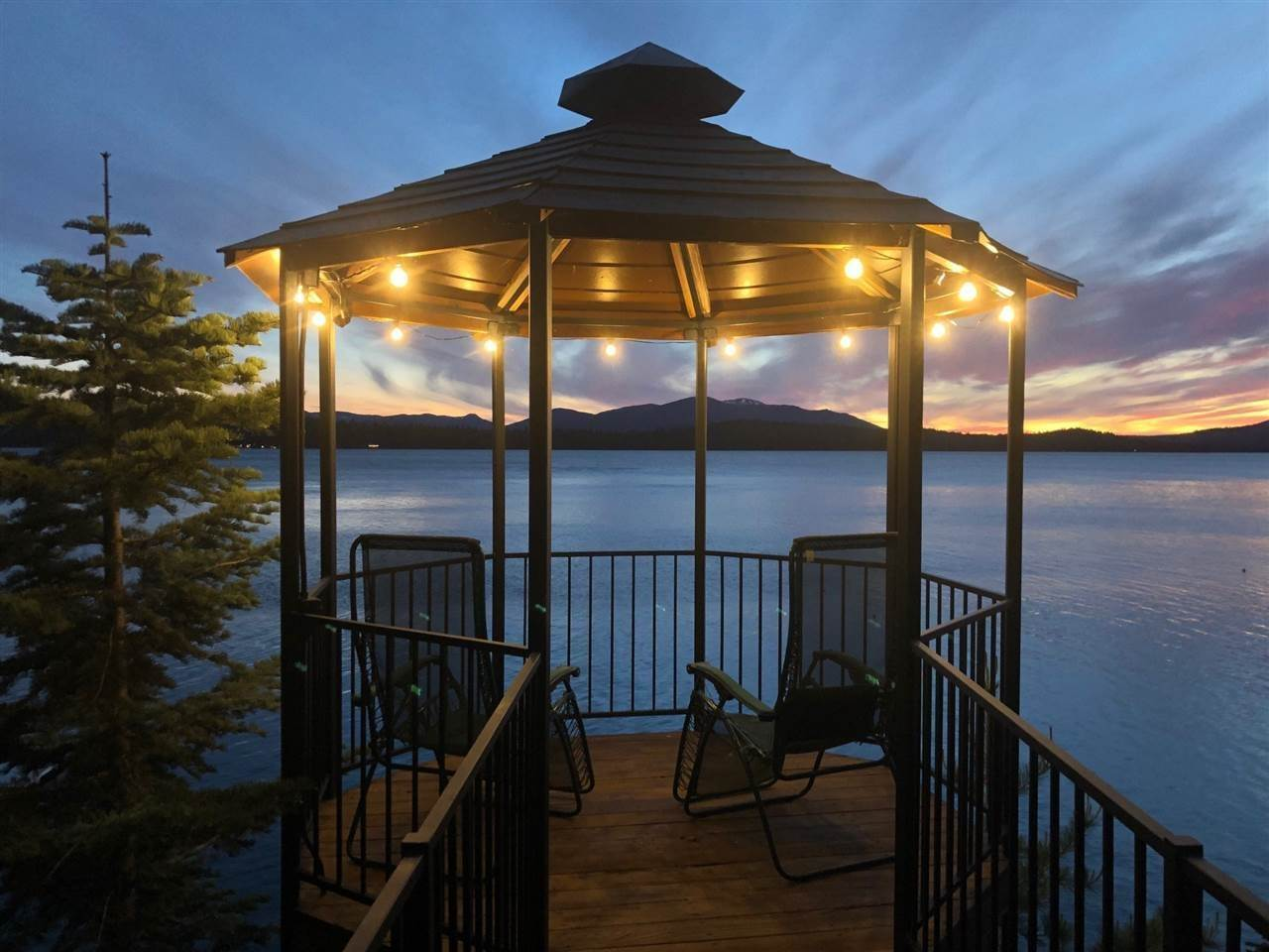 20. Single Family Homes for Active at 1415 Lassen View Drive Lake Almanor, California 96137 United States