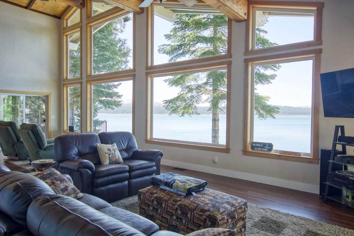 6. Single Family Homes for Active at 1415 Lassen View Drive Lake Almanor, California 96137 United States