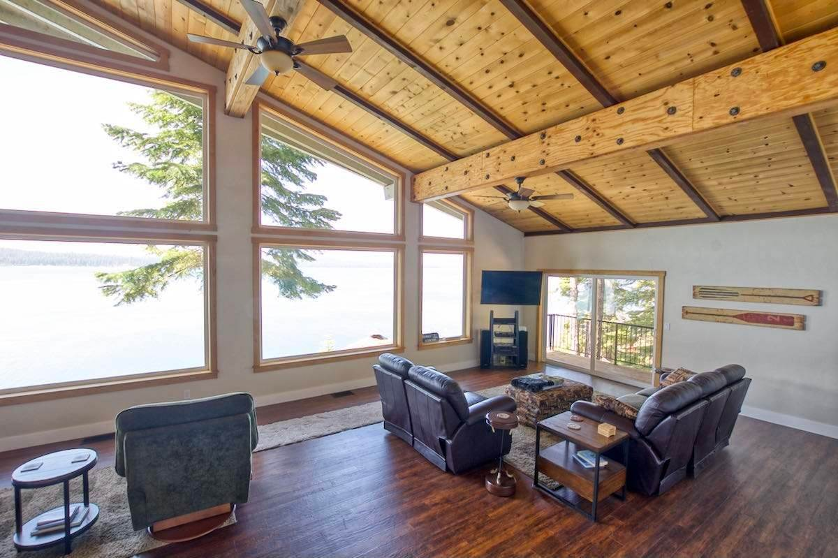 7. Single Family Homes for Active at 1415 Lassen View Drive Lake Almanor, California 96137 United States