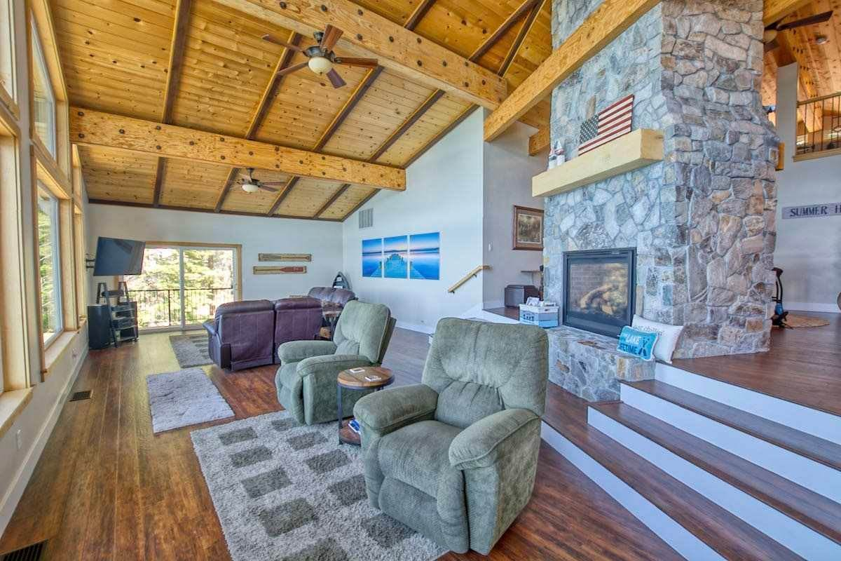 9. Single Family Homes for Active at 1415 Lassen View Drive Lake Almanor, California 96137 United States