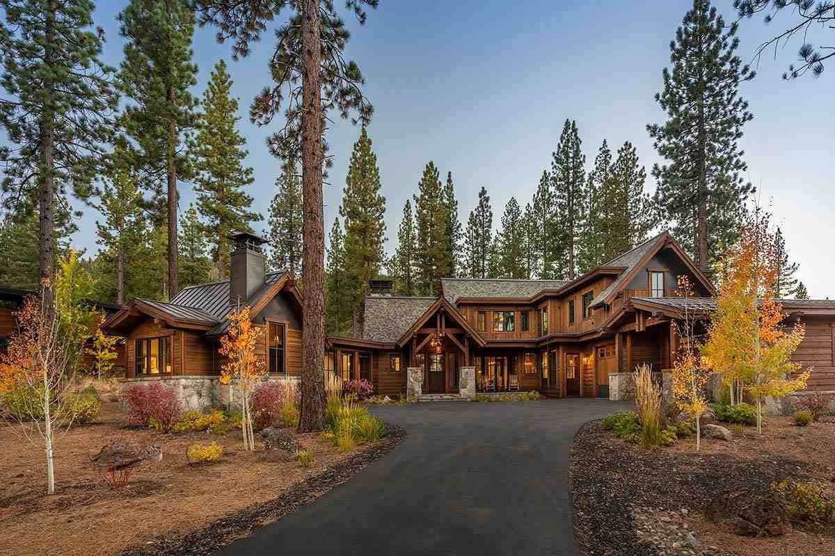 Single Family Homes for Active at 8454 Newhall Drive Truckee, California 96161 United States