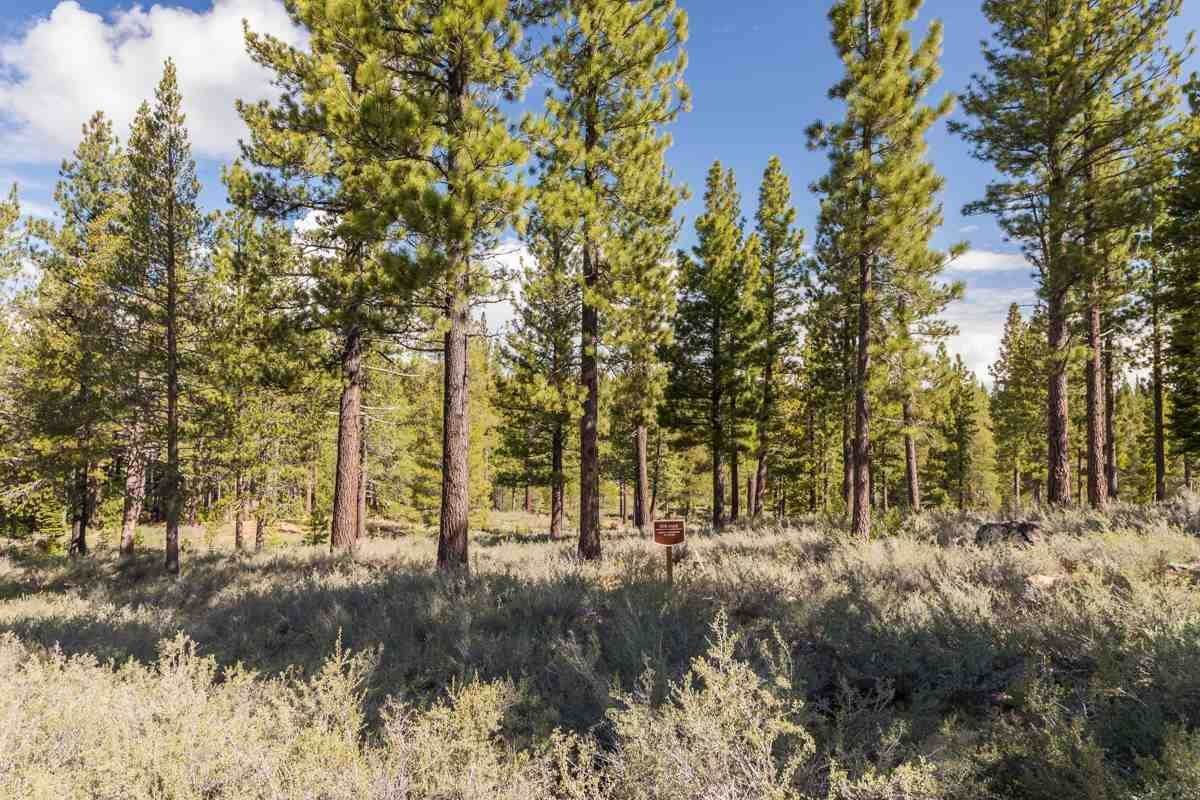 Land for Active at 8125 Villandry Drive Truckee, California 96161 United States
