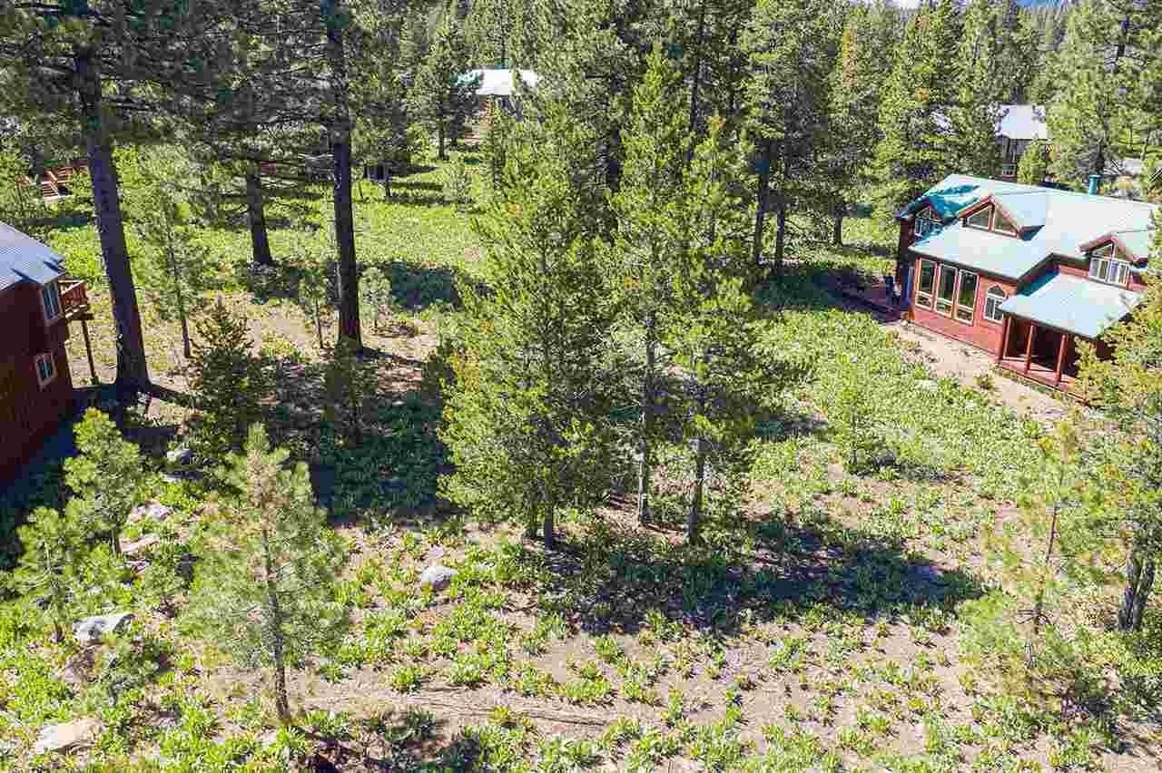 12. Single Family Homes for Active at 17030 Skislope Way Truckee, California 96161 United States