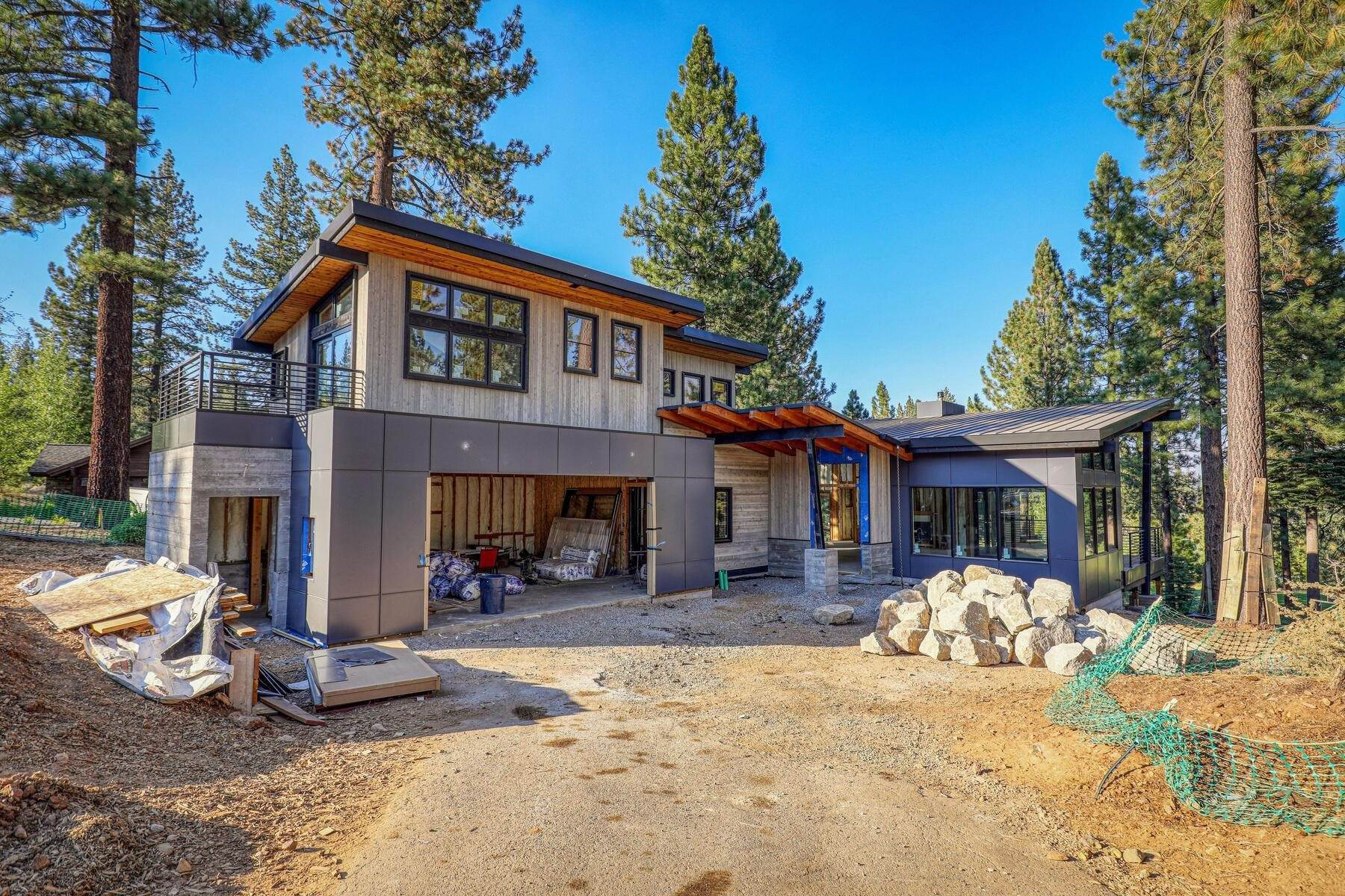 Single Family Homes for Active at 9333 Heartwood Drive Truckee, California 96161 United States