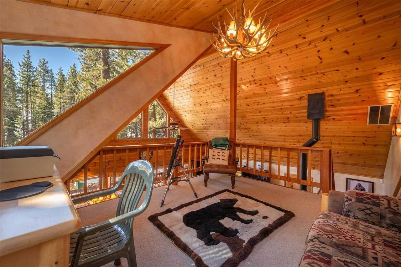 15. Single Family Homes for Active at 12616 Bernese Lane Truckee, California 96161 United States