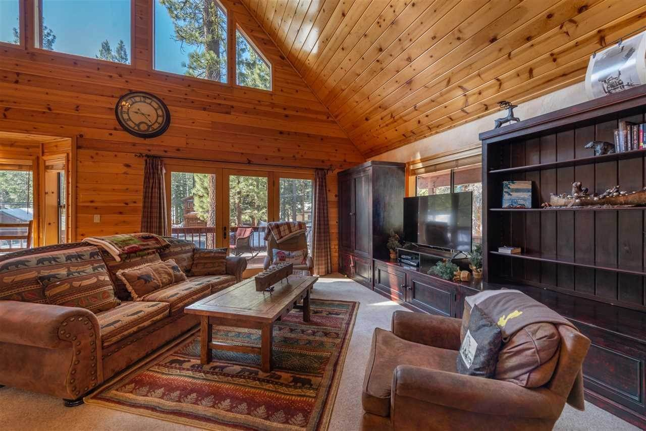 7. Single Family Homes for Active at 12616 Bernese Lane Truckee, California 96161 United States