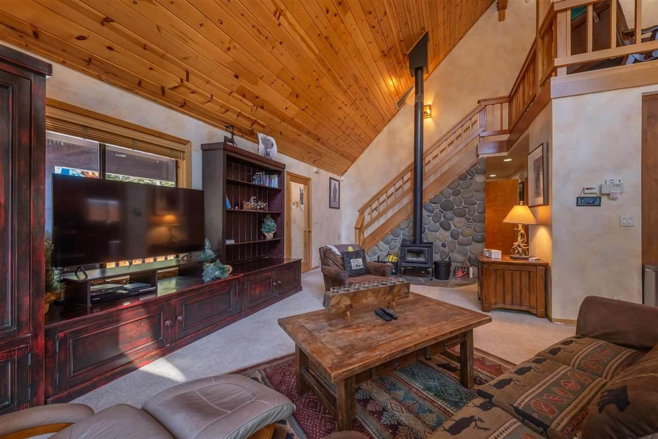 8. Single Family Homes for Active at 12616 Bernese Lane Truckee, California 96161 United States