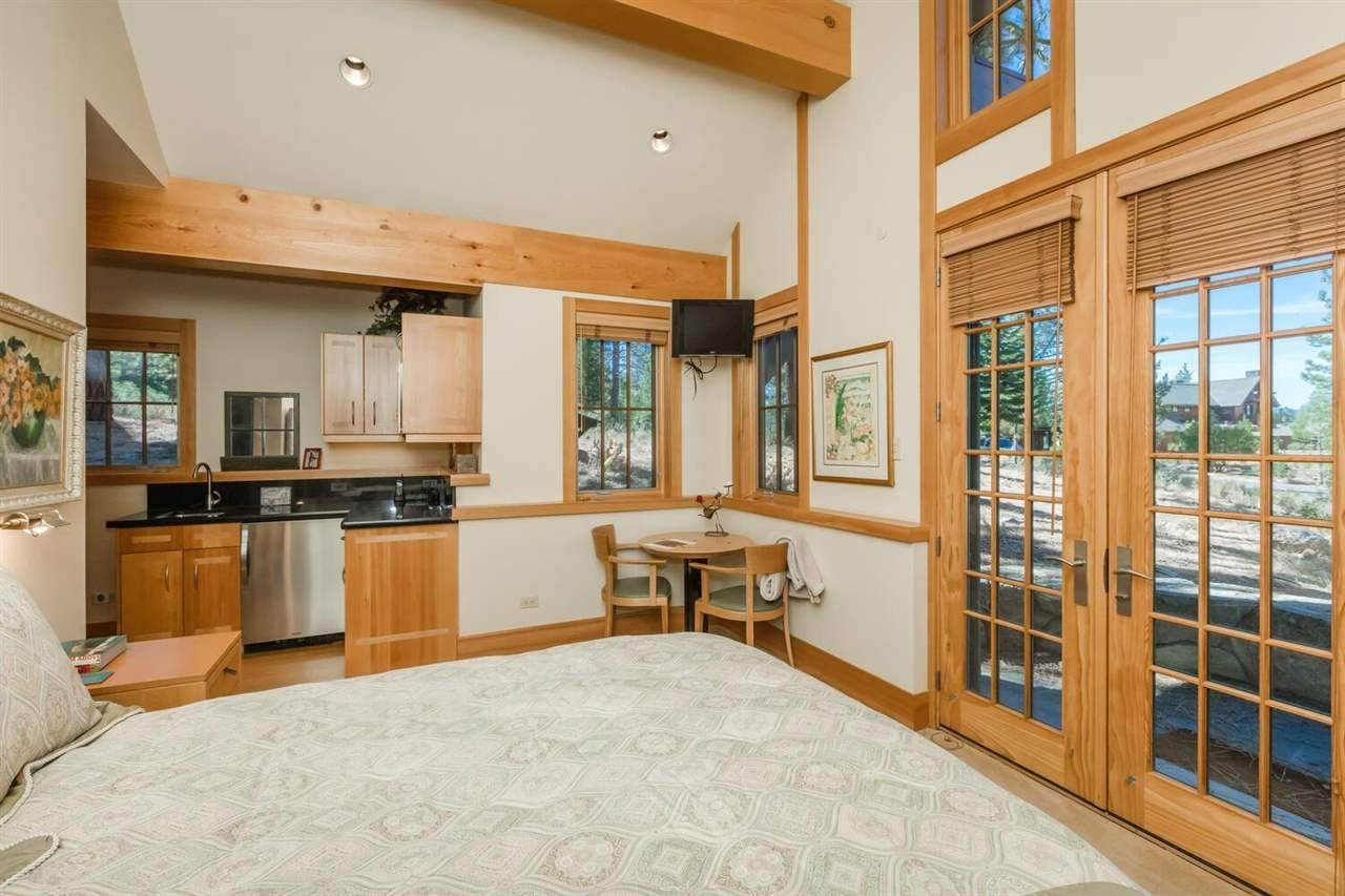 17. Single Family Homes for Active at 153 Bob Sherman Truckee, California 96161 United States