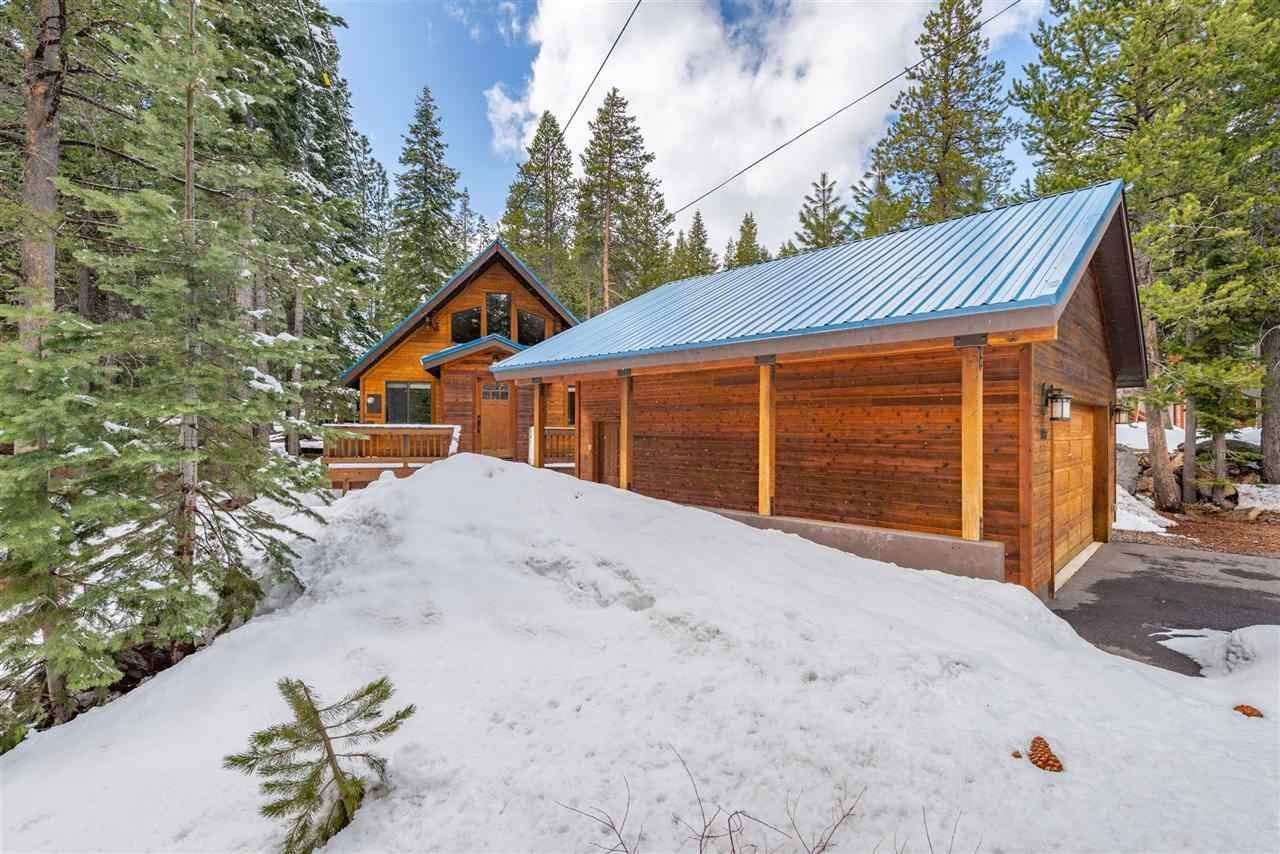Single Family Homes for Active at 11752 Chateau Way Truckee, California 96161 United States