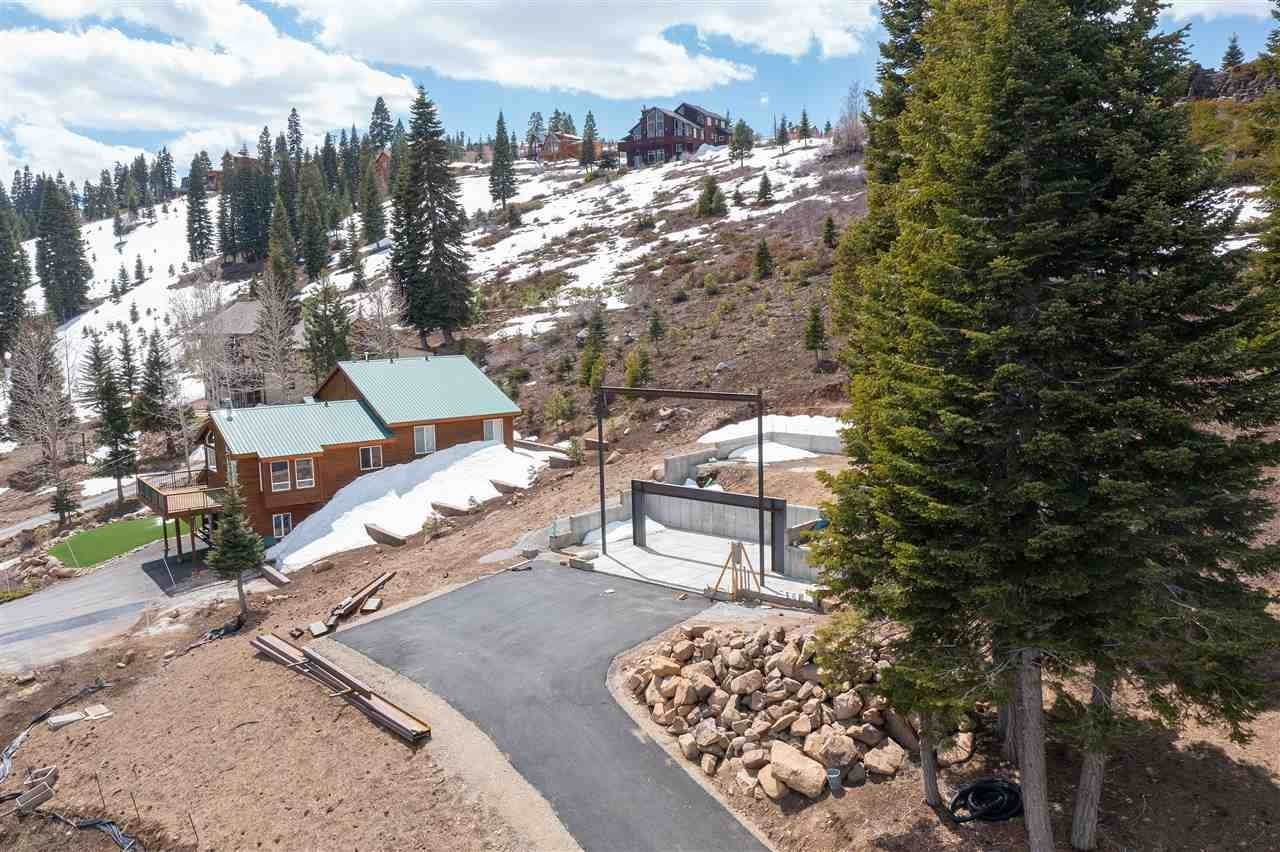 2. Single Family Homes for Active at 13350 Skislope Way Truckee, California 96161 United States