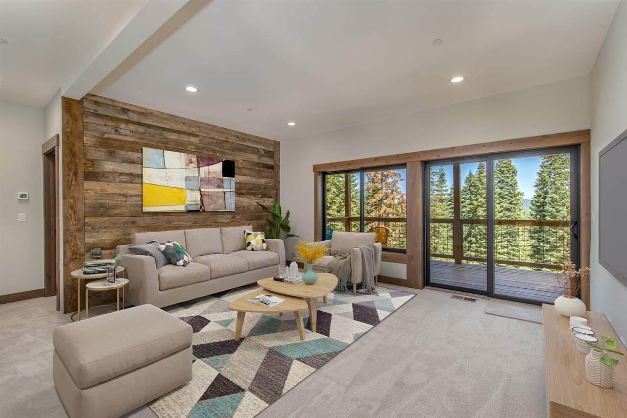 12. Single Family Homes for Active at 11805 Skislope Way Truckee, California 96161 United States