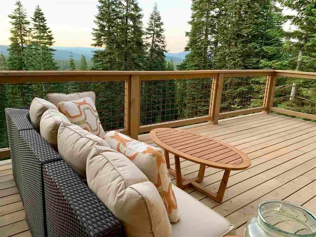 9. Single Family Homes for Active at 11805 Skislope Way Truckee, California 96161 United States
