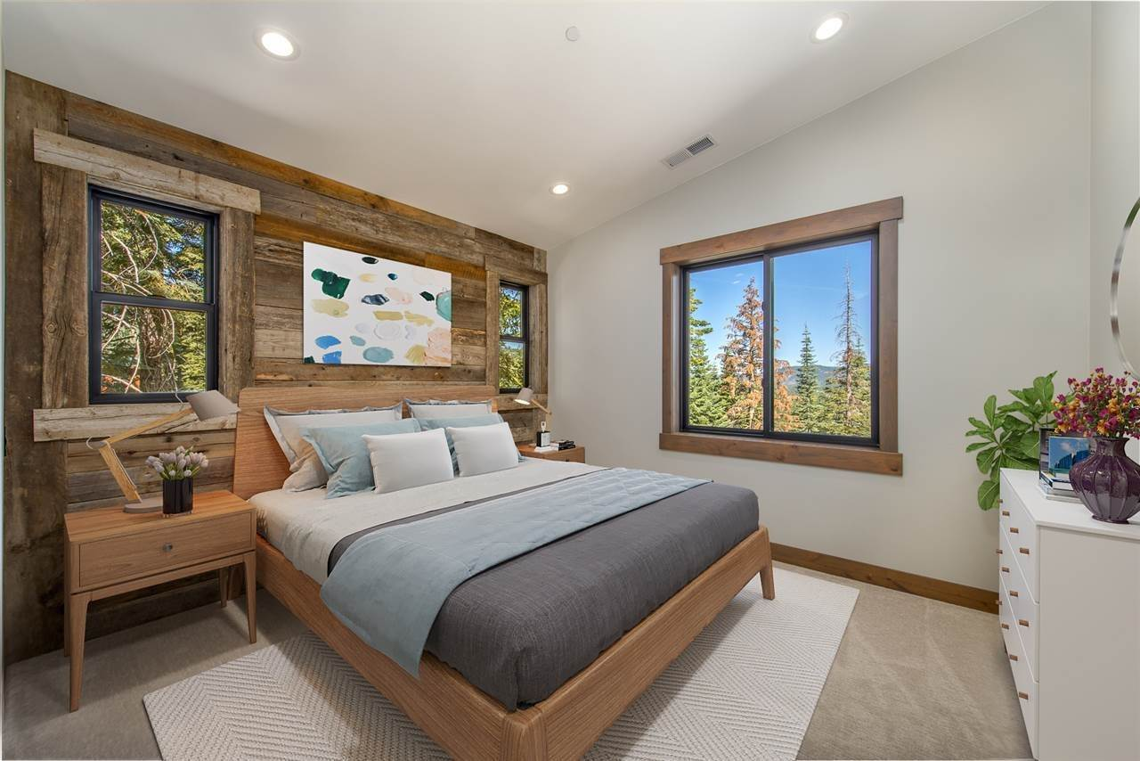 10. Single Family Homes for Active at 11805 Skislope Way Truckee, California 96161 United States