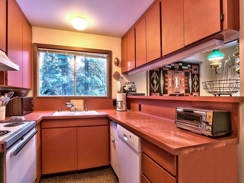 5. Single Family Homes at 1145 Mule Ears Drive Truckee, California 96161 United States