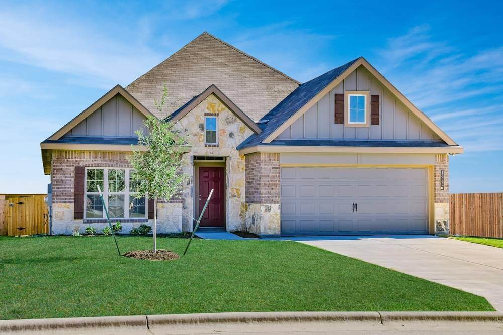 Single Family for Active at Vintage Farms - 2082 1020 Trellis Pass BRENHAM, TEXAS 77833 UNITED STATES