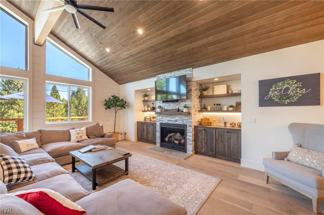 5. Residential for Active at 14765 Alder Creek Truckee, California 96161 United States