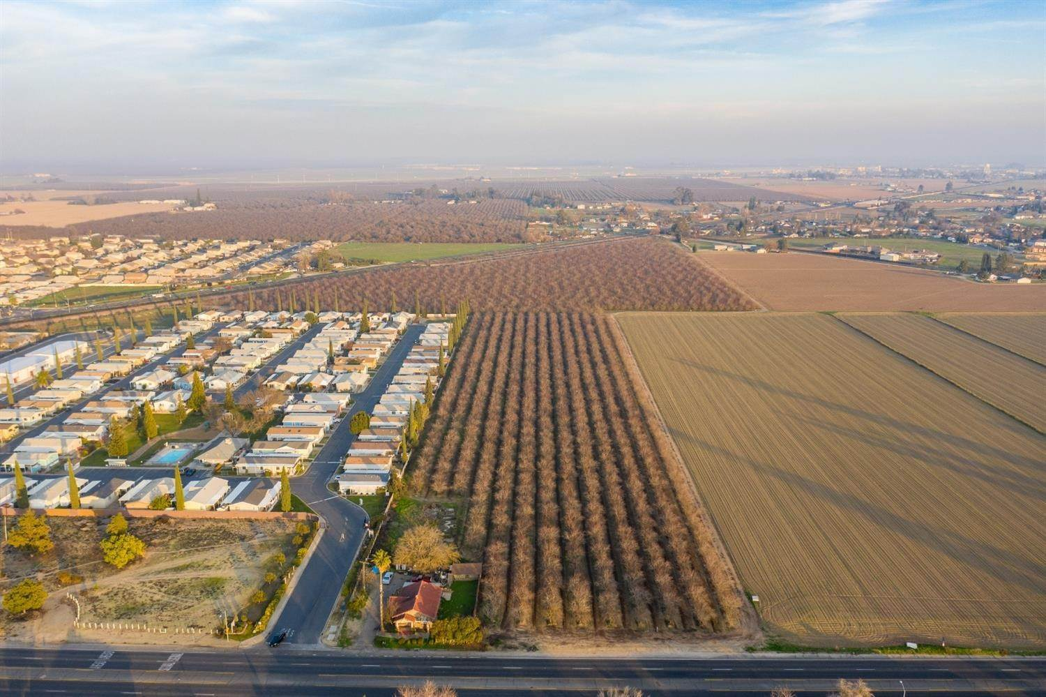 Land for Active at 147-200-002 Winton, California 95388 United States