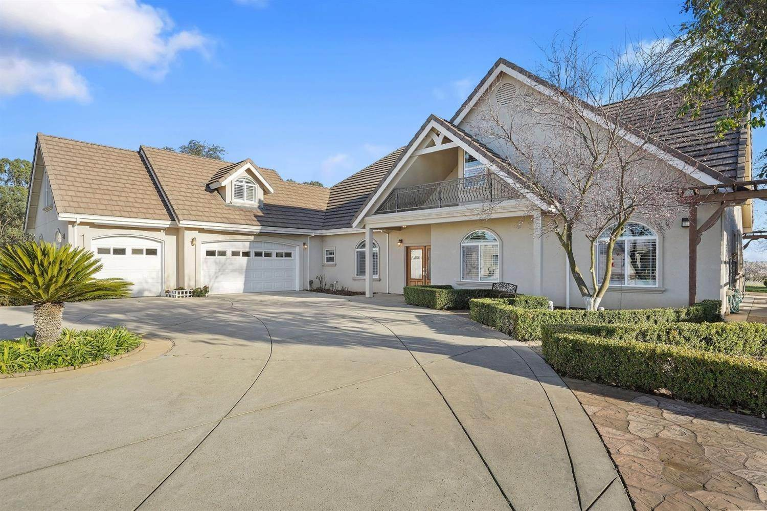 Single Family Homes 为 销售 在 2255 Central Avenue Roseville, 加利福尼亚州 95747 美国