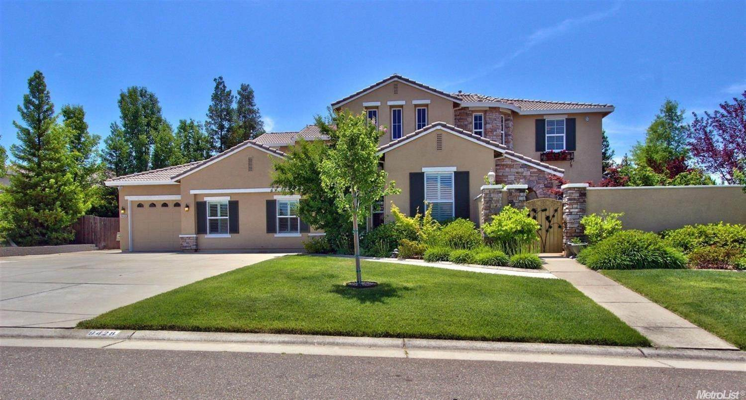 Single Family Homes 为 销售 在 9428 Wiltsire Way Orangevale, 加利福尼亚州 95662 美国