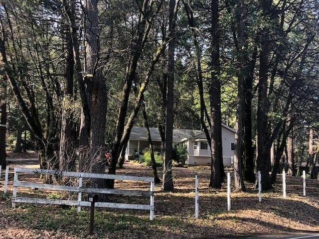 Single Family Homes por un Venta en 15648 Greenhorn Road Grass Valley, California 95945 Estados Unidos