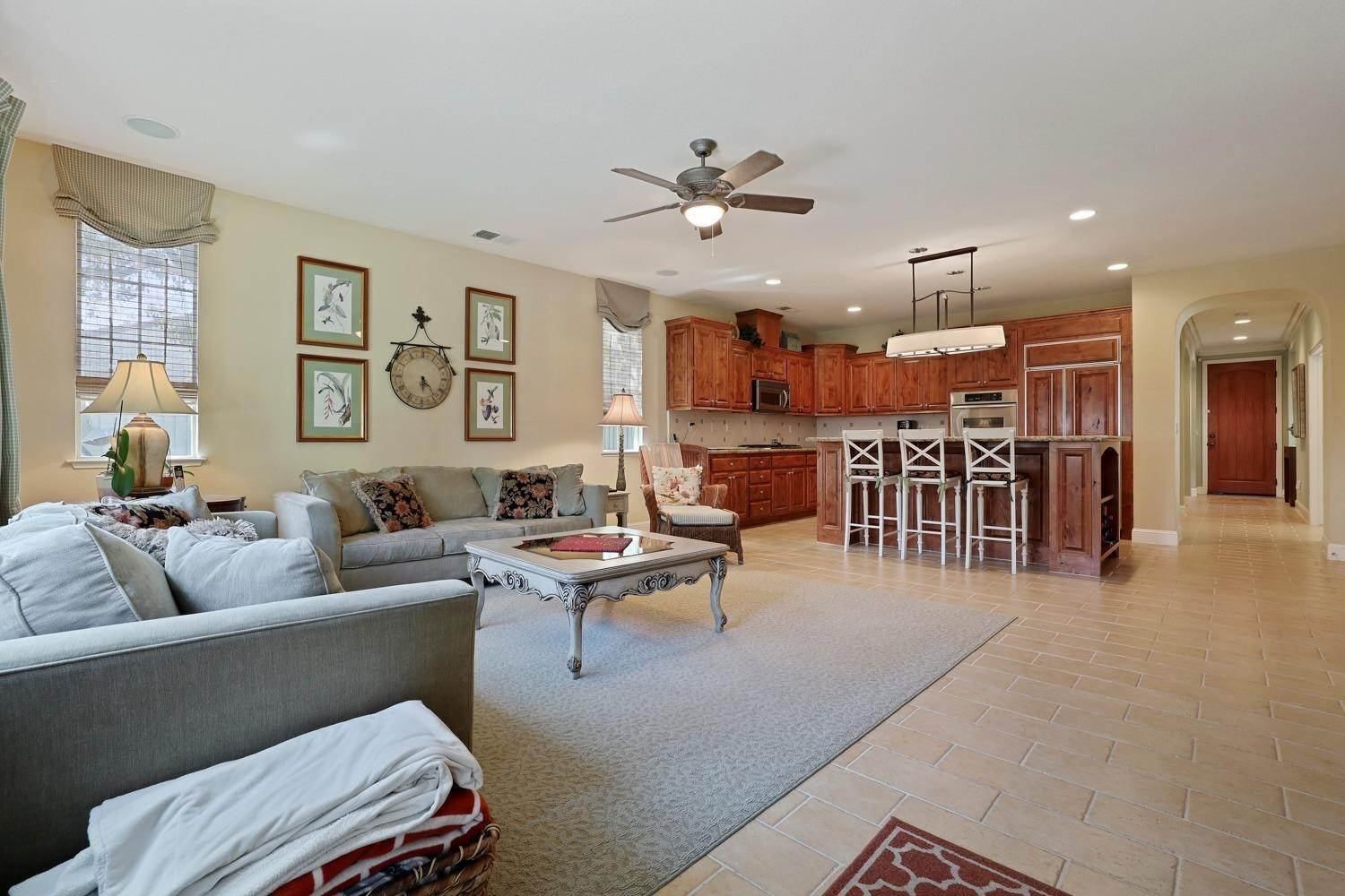 23. Single Family Homes for Active at 2634 Redbridge Road Tracy, California 95377 United States