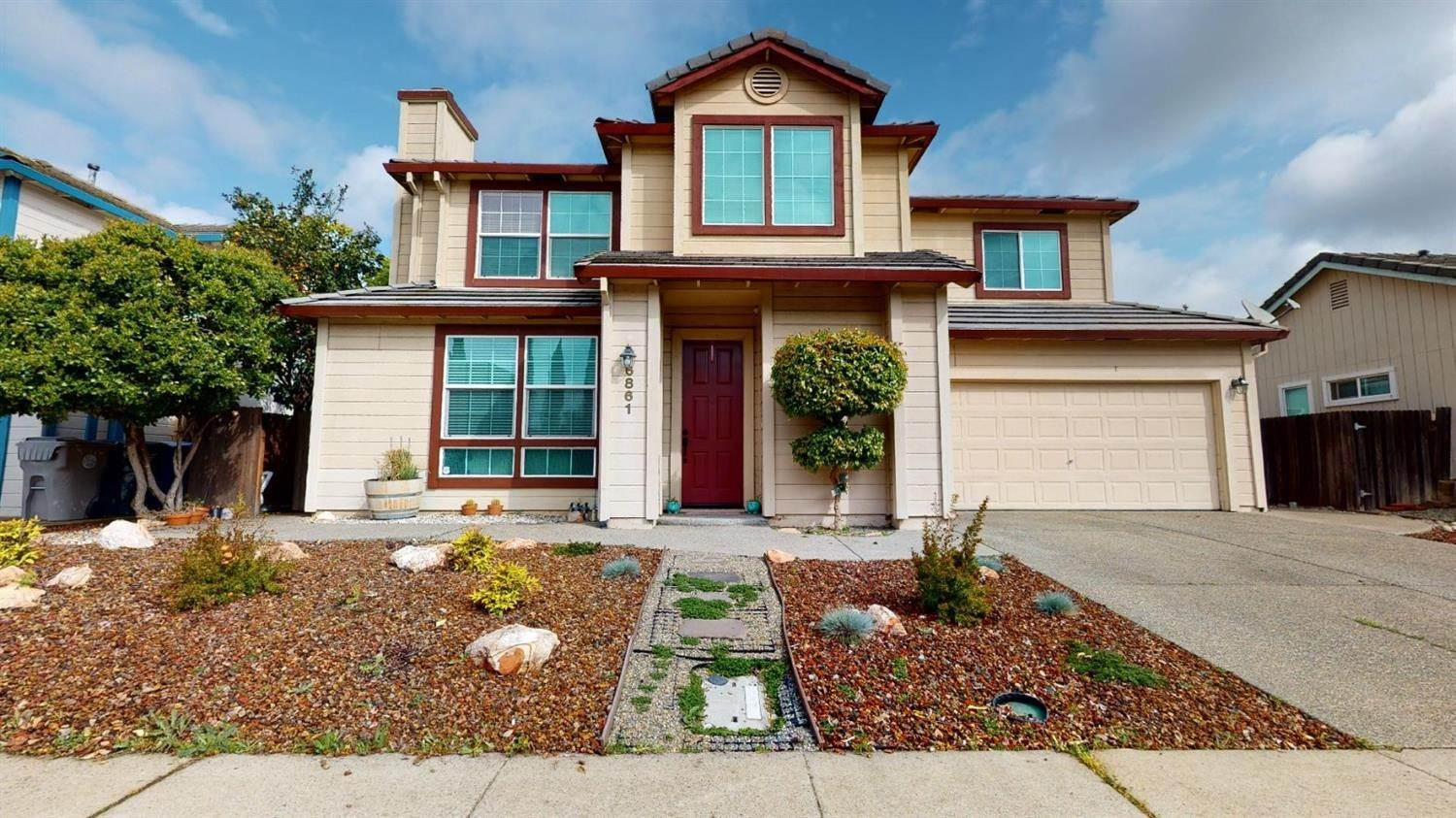 Single Family Homes for Active at 6861 Hampton Cove Way Sacramento, California 95823 United States