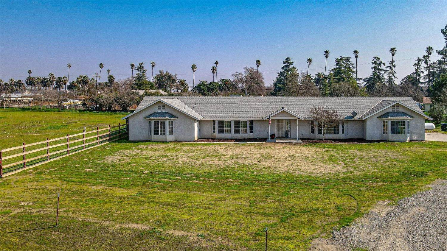 Single Family Homes for Active at 24363 Camellia Court Chowchilla, California 93610 United States