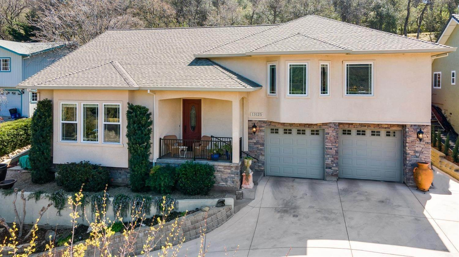 Single Family Homes for Active at 13125 Sylva Lane Sonora, California 95370 United States