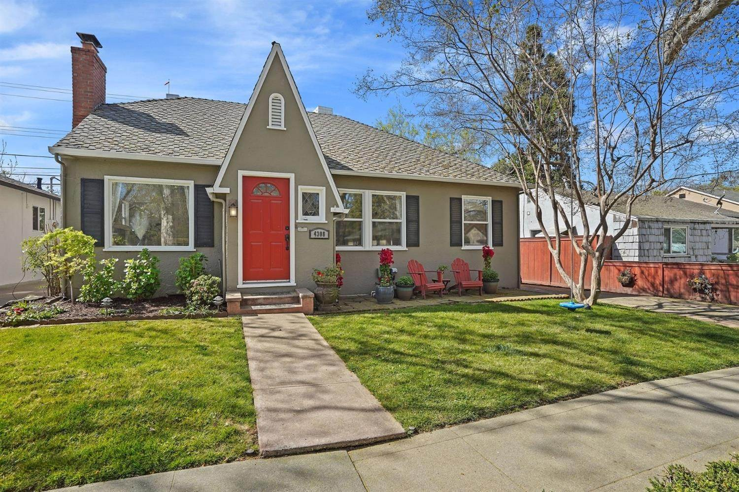 31. Single Family Homes for Active at 4308 U Street Sacramento, California 95817 United States