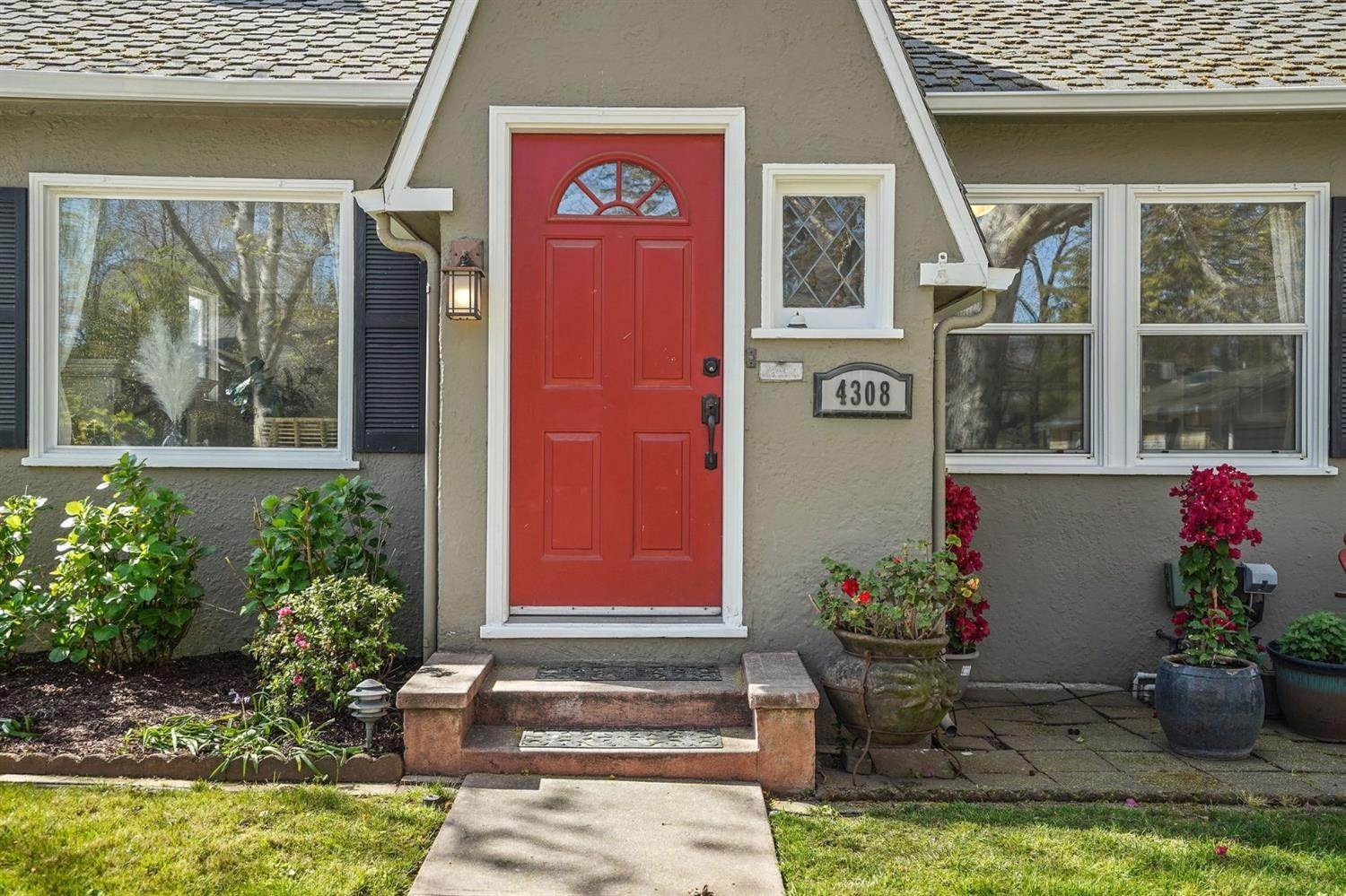 2. Single Family Homes for Active at 4308 U Street Sacramento, California 95817 United States