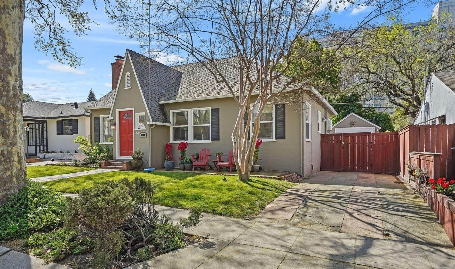32. Single Family Homes for Active at 4308 U Street Sacramento, California 95817 United States