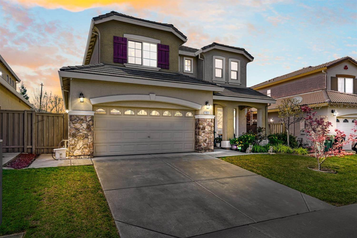 Single Family Homes for Active at 1953 Sevilla Drive Roseville, California 95747 United States
