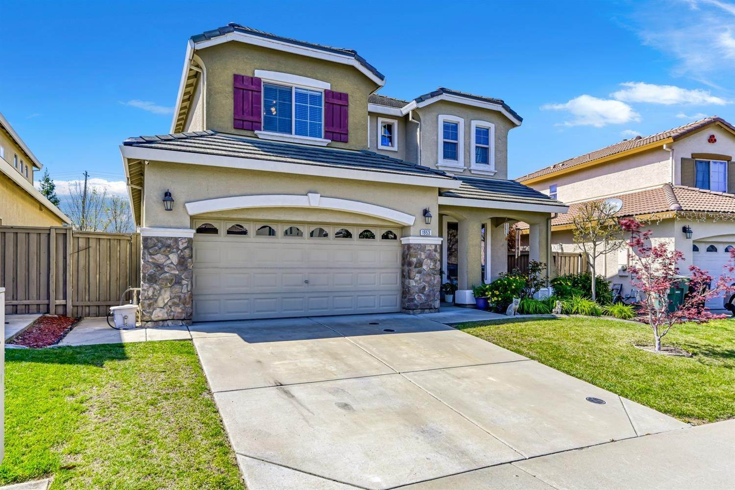 4. Single Family Homes for Active at 1953 Sevilla Drive Roseville, California 95747 United States