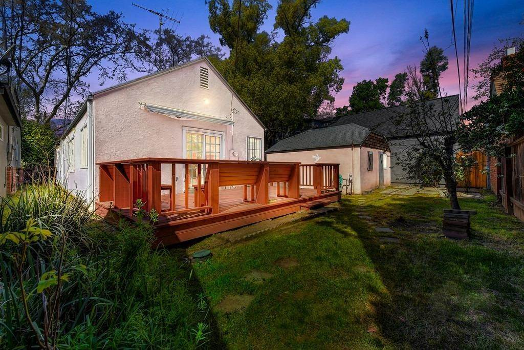38. Single Family Homes for Active at 2947 24th Street Sacramento, California 95818 United States