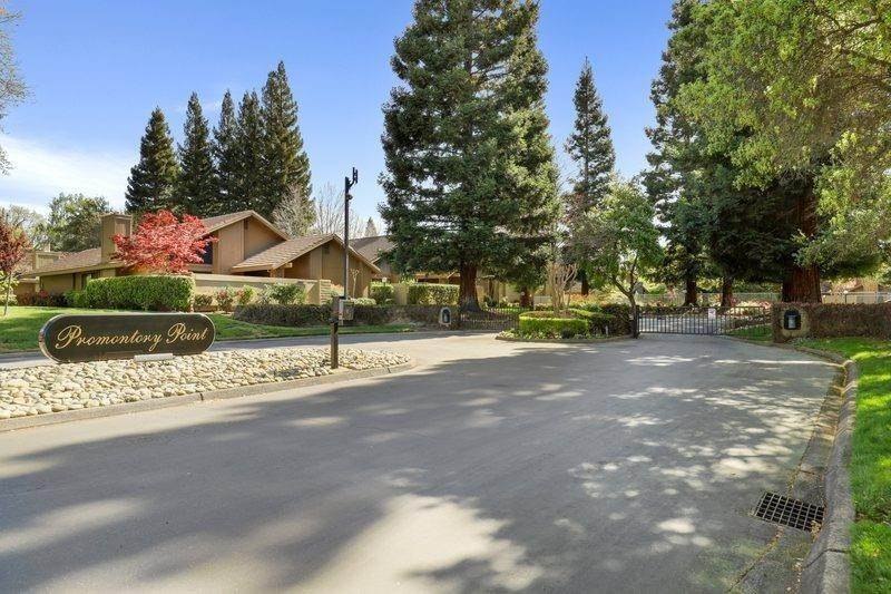 43. Single Family Homes for Active at 2052 Promontory Point Lane Gold River, California 95670 United States