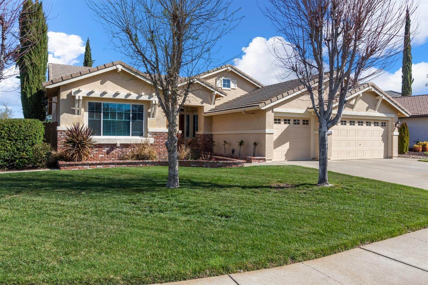 3. Single Family Homes for Active at 2128 Mullen Court Folsom, California 95630 United States