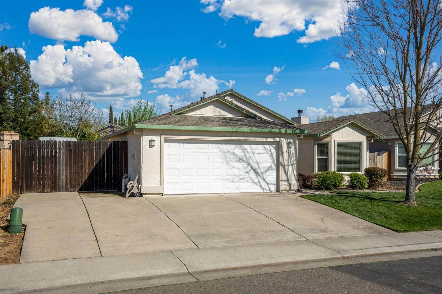 2. Single Family Homes for Active at 6726 Sun Acer Way Rio Linda, California 95673 United States