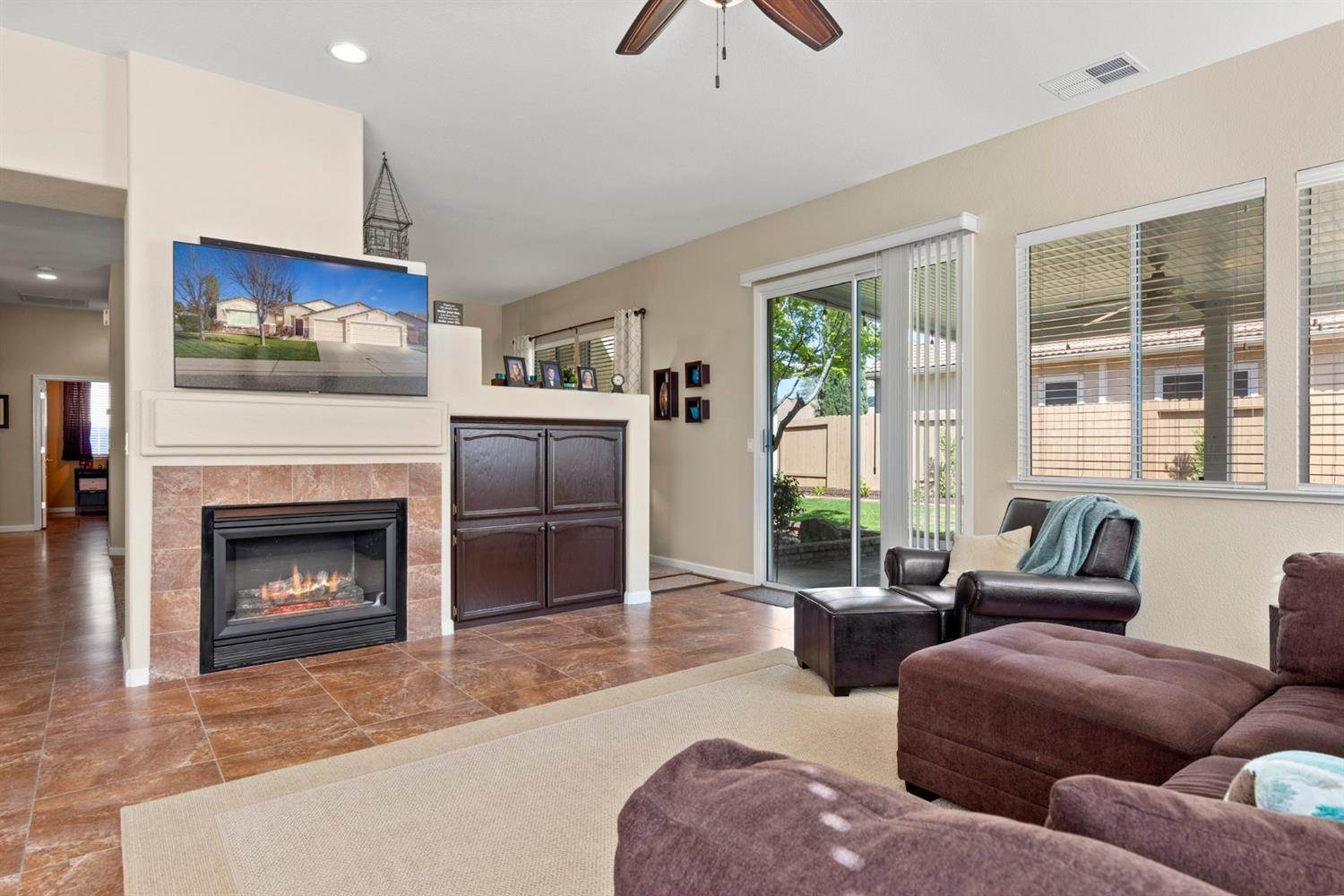 12. Single Family Homes for Active at 2128 Mullen Court Folsom, California 95630 United States